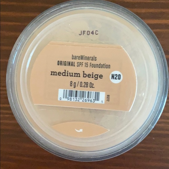 1 bareMinerals Medium Beige Foundation
